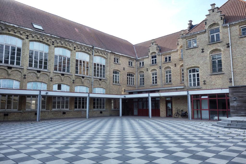 Ecole abandonnee Dixmude