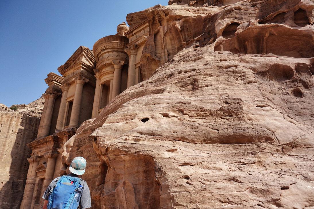 Petra monastere cache Jordanie