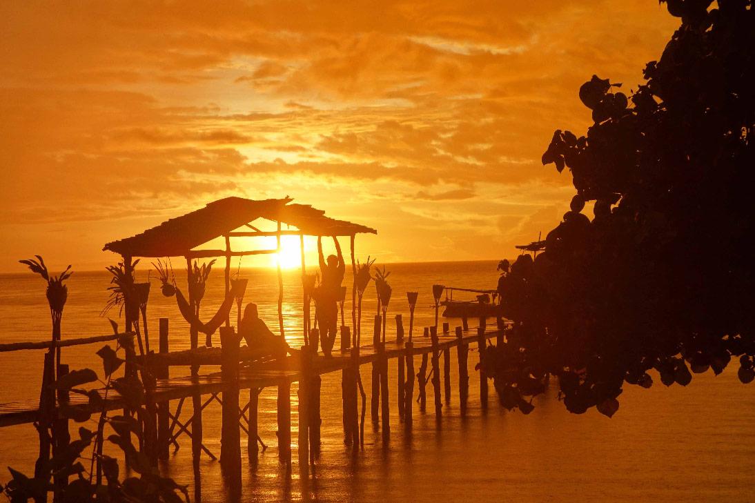 poki poki togian coucher de soleil