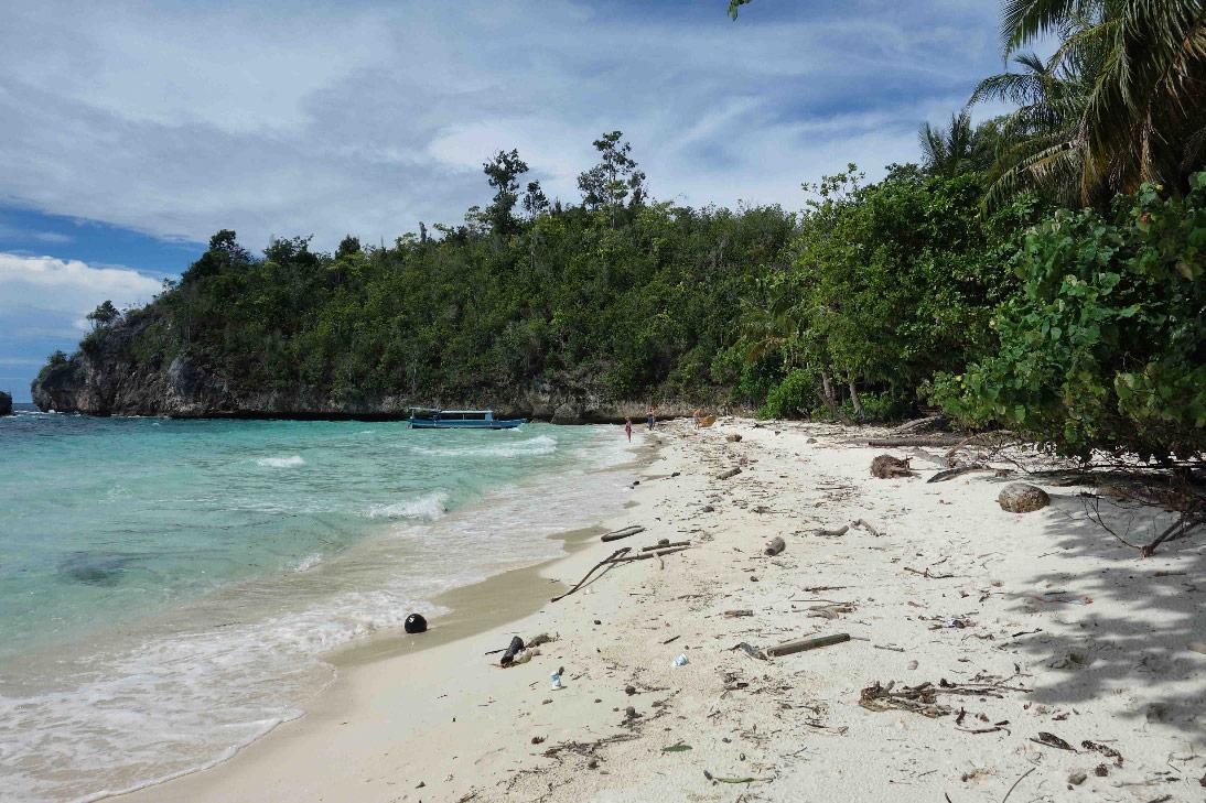 togian karina beach